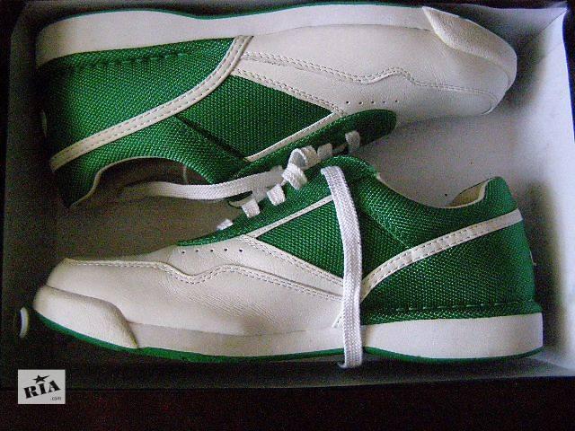 купить бу Стильные брендовые кроссовки от Rockport.Кожа в Ромнах