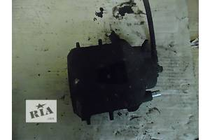 б/у Суппорт Skoda Octavia Tour