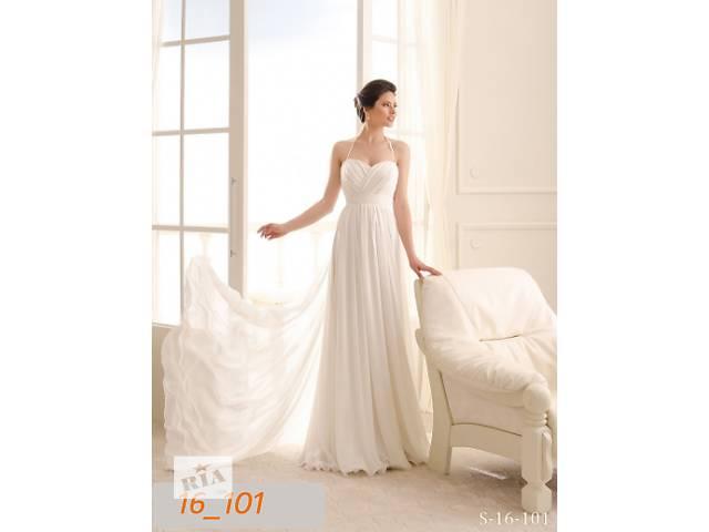 продам Свадебное платье 44 размера, шлейф 1 метр бу в Киеве