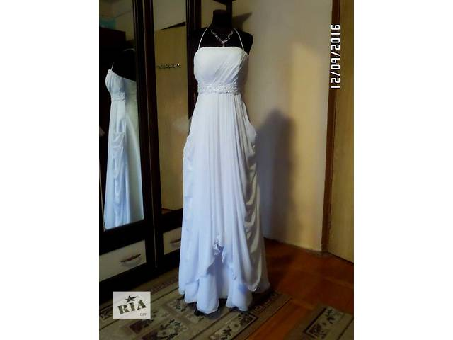 Свадебное платье 46 размер по супер-цене- объявление о продаже  в Киеве