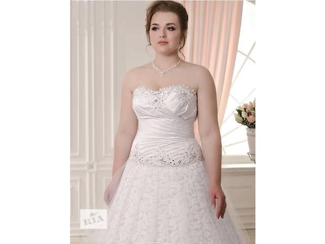 купить бу Свадебное платье, 48 размер, новое в Киеве
