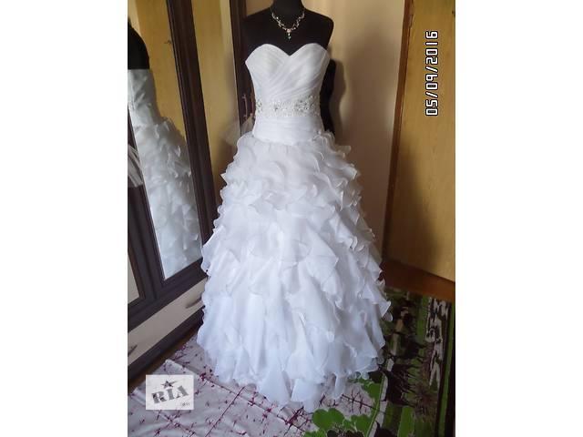 купить бу Свадебное платье пышное, 44 размер в Киеве