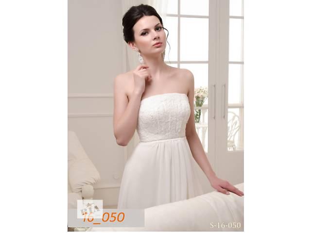 купить бу Свадебное платье в стиле ампир, 42 размер в Киеве