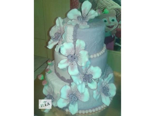 Свадебный 3-х ярусный торт с бело-сиреневыми орхидеями- объявление о продаже  в Киеве