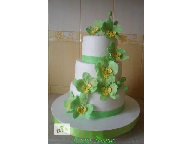 продам Свадебный 3-х ярусный белый торт с салатовыми орхидеями бу в Киеве