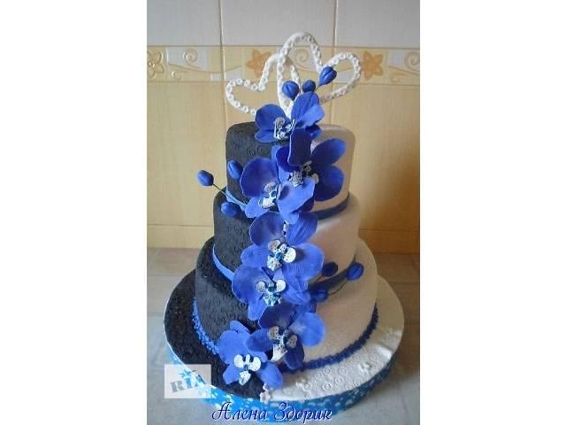 бу Свадебный 3-х ярусный черно-белый торт  с синими орхидеями в Киеве