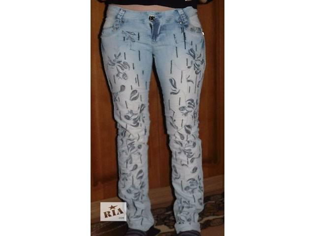 бу Светлые джинсы с вышивкой в Киеве