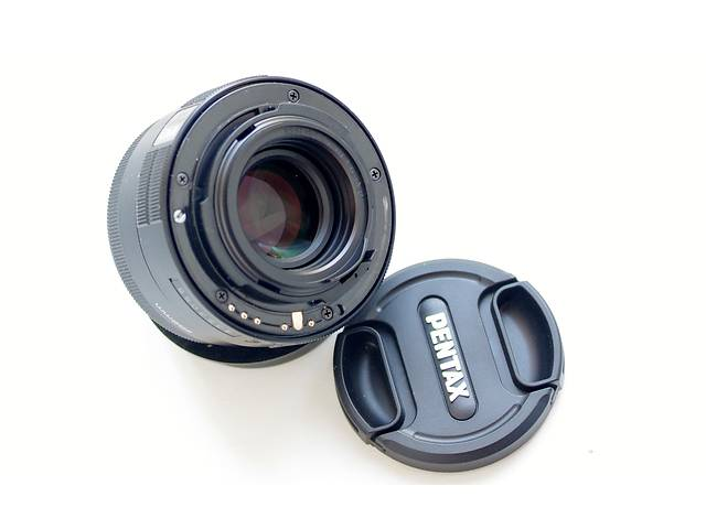 купить бу Распродажа. Светосильный фикс объектив Pentax DA 50mm f1.8 в Киеве