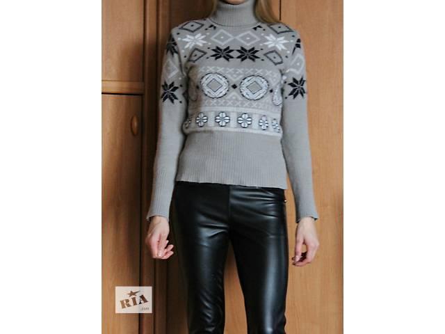 продам свитер-водолазка с орнаментом бу в Алчевске