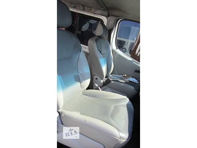 купить бу Сиденье пассажирское одинарное, двойное Nissan Primastar Ниссан Примастар Opel Vivaro Опель Виваро Renault в Ровно