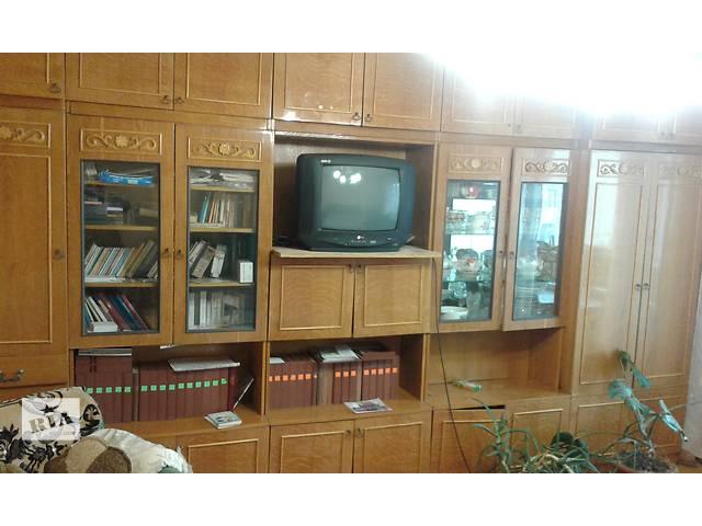 Срочно продам стенку- объявление о продаже  в Каменец-Подольском