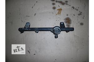 б/в Кронштейни паливних фільтрів Dacia Solenza
