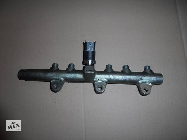 купить бу Топливная рейка Фиат Добло Fiat Doblо 1.9 Multijet 2005-2009 в Ровно