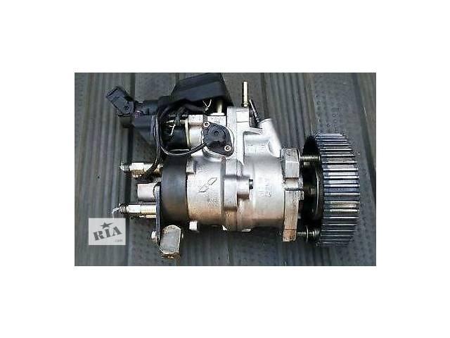 купить бу Топливная система Топливный насос высокого давления/трубки/шест Fiat Doblo 2.0 D в Ужгороде