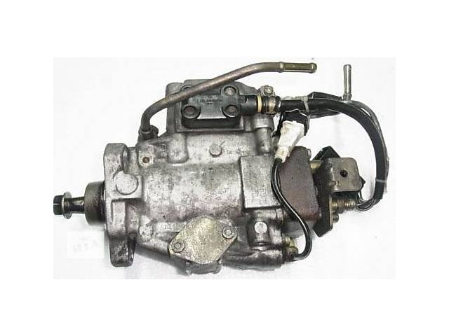 продам Топливная система Топливный насос высокого давления/трубки/шест Jeep Cherokee 2.5 TD бу в Ужгороде