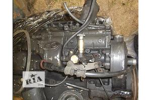 б/у Топливный насос высокого давления/трубки/шест Mercedes 809