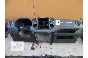 б/у Торпедо/накладка Citroen Berlingo груз.