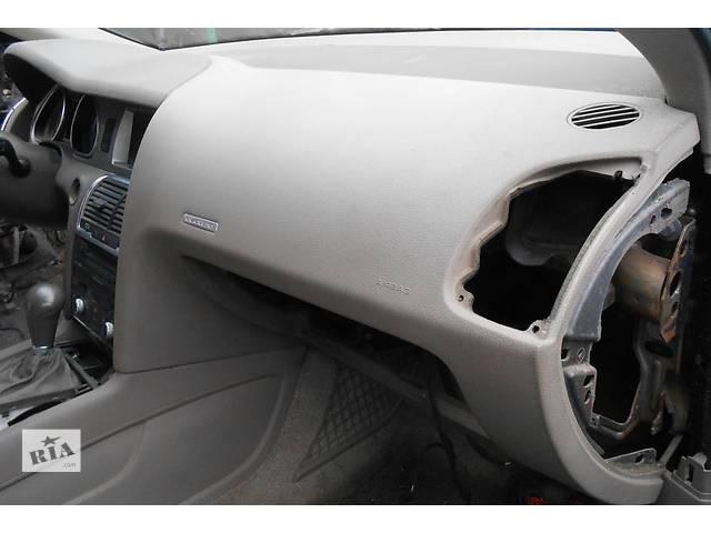Торпедо/накладка Audi Q7 Ауди К7 Ауди Кю7- объявление о продаже  в Ровно