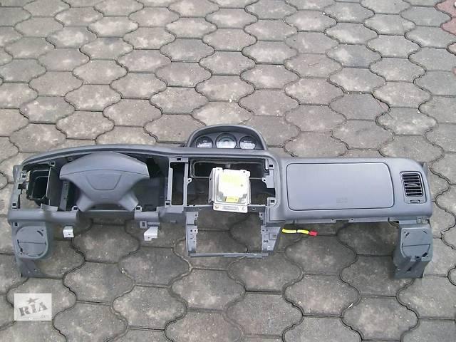 купить бу Торпедо/накладка для легкового авто Mitsubishi Pajero Sport в Ровно