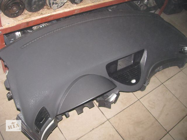 купить бу торпедо/накладка для Subaru Tribeca, 2009 в Львове
