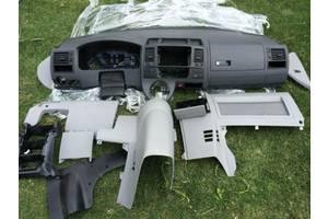 Торпедо/накладка Volkswagen T5 (Transporter)