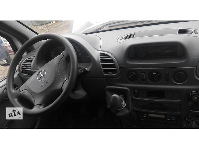 купить бу Торпедо/накладка, панель Mercedes Sprinter Мерседес Спринтер 903, 2.2; 2.7 CDI OM611; 612 (2000-2006 г.в) в Ровно