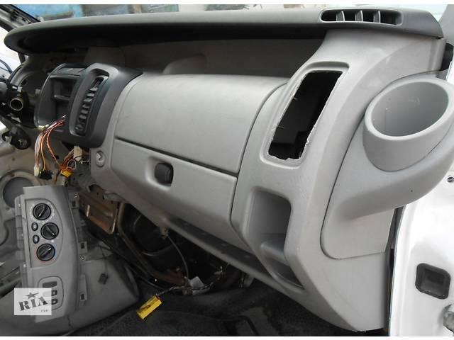 продам Торпедо/накладка, торпеда панель Opel Vivaro Опель Виваро Renault Trafic Рено Трафик Nissan Primastar бу в Ровно