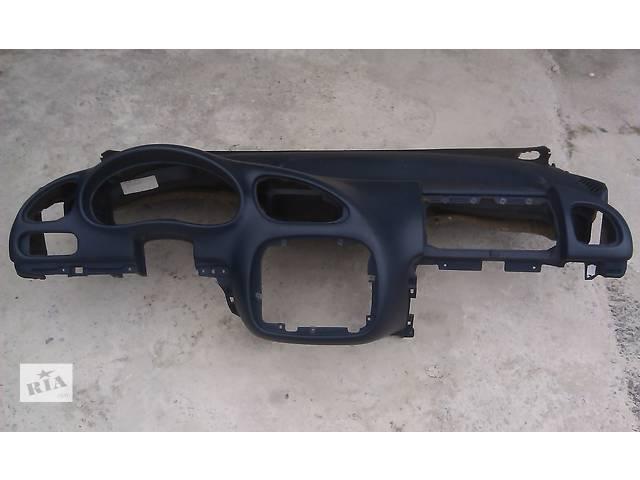 купить бу  Торпедо/передняя панель для минивена Volkswagen Sharan в Ровно