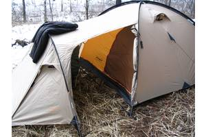 б/у Палатки трехместные Campus