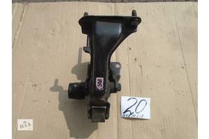 б/у Подушка мотора Toyota Avensis