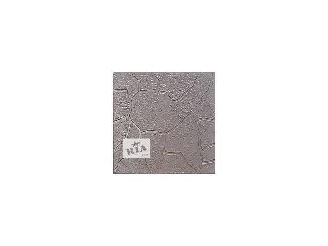 бу Тротуарная плитка используется не только для укладки дорог и пешеходных зон, но и для мощения дорожек в садах, парках и на загородных участках. Оригинальный или же незамысловатый рисунок станут украшением оформляемой территории. Тротуарная плитка предотвращает скапливание воды и образование грязи на дорогах. Экологически чистые составляющие данного строительного материала (цемент, песок, красящие пигменты) влияют на такие его свойства, как прочность и долговечность (срок службы достигает 40 лет).  Достоинства тротуарной плитки:  Экологичность. Тротуарная плитка производится из натурального, экологически чистого материала без вредных примесей и искусственных красителей, не выделяет канцерогенов.  Долговечность. Высокая прочность тротуарной плитки, способность выдерживать большие механические нагрузки и ее низкая истираемость значительно продлевают срок ее эксплуатации и позволяют надолго сохранить ее привлекательный внешний вид.  Морозоустойчивость. Способность тротуарной плитки выдерживать очень низкие температуры делают ее практически незаменимой в условиях сурового российского климата.  Устойчивость к различным погодным условиям. Тротуарная плитка маловосприимчива к разрушительному воздействию дождя, ветра и открытого солнца.  Простота в уходе. Тротуарная плитка легко очищается от любых типов загрязнений и нуждается в минимальном уходе.  Ремонтопригодность. Это качество делает возможным многократное применение тротуарной плитки при повторной прокладке коммуникаций или других ремонтных работах.  Эстетичность. Тротуарная плитка — идеальный вариант для мощения тротуаров, дорожек и приусадебных территорий. Комбинируя между собой плитки разного размера, цвета и фактуры можно создать бесчисленное количество вариантов укладки. Все это позволяет гармонично вписать тротуарную плитку в любой ландшафт, будь то городская площадь или загородный парк.  Экономичность. При незначительной разнице в цене, по сравнению с тем же асфальтом, тротуарная плитка требует гораздо меньше 