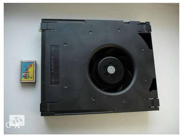 купить бу Центробежный кулер вентилятор ebmpapst RG 160-28/18N/13TD в Миргороде