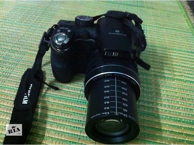 продам Цифровой фотоаппарат Fujifilm Finepix S4500 - 14 Мп. - Суперзум - в Идеале ! бу в Херсоне