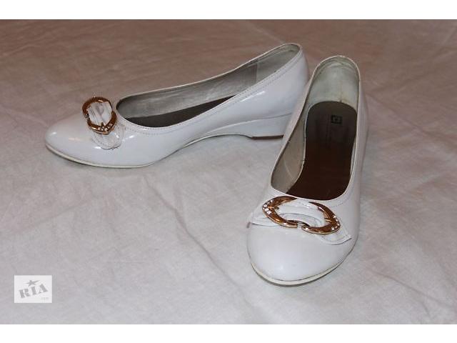 Туфли белые.Уценили!- объявление о продаже  в Черкассах