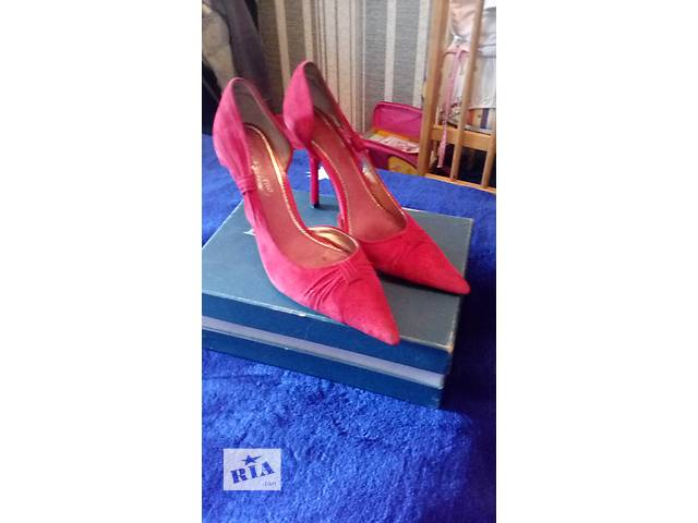 Туфли красные- объявление о продаже  в Киеве