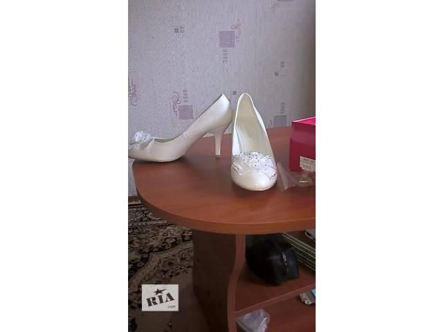 купить бу Туфли свадебные дешево в Городне
