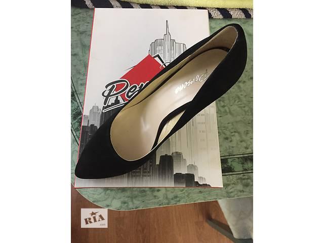 купить бу Туфли замшевые в Донецке