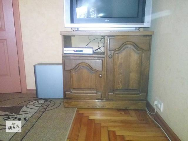 продам Тумба дубовая, комод деревянный под ТВ, аудио бу в Киеве