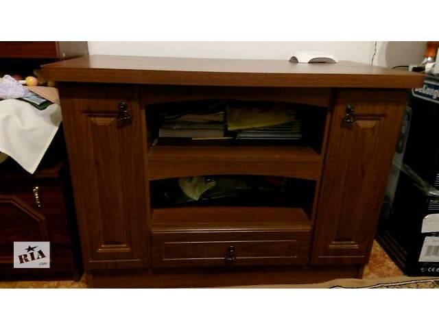 продам тумбочка ( столик под телевизор) бу в Ровно
