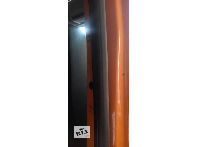 Уплотнитель двери передней, сдвижной Фольксваген Крафтер Volkswagen Crafter 2006-10гг.- объявление о продаже  в Ровно