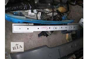 б/у Усилитель заднего/переднего бампера Renault Trafic
