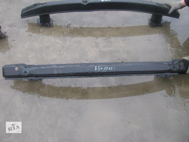 купить бу усилитель заднего бампера для седана Volkswagen B5, 2003 в Львове