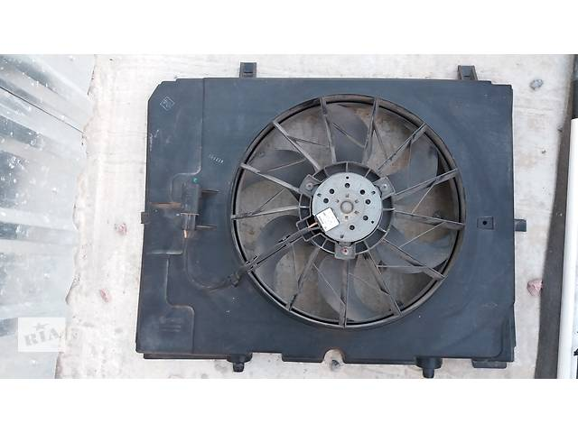 купить бу Вентилятор осн радиатора для седана Mercedes E-Class в Киеве