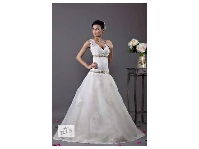 купить бу Весільна сукня Tulipia оздоблена кружевом в Вараше (Кузнецовск)