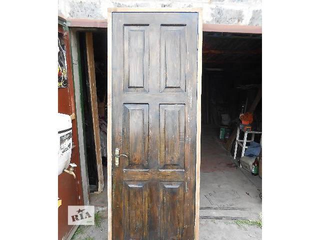купить бу входные двери из натурального дерева - 2 штуки в Кривом Роге (Днепропетровской обл.)