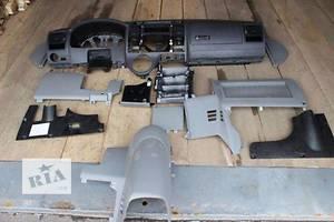 Внутренние компоненты кузова Volkswagen T5 (Transporter)