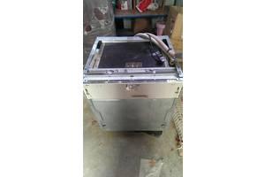 вбудовані посудомийні машини компактні Ariston
