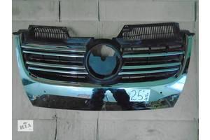 б/у Решётка радиатора Volkswagen Jetta