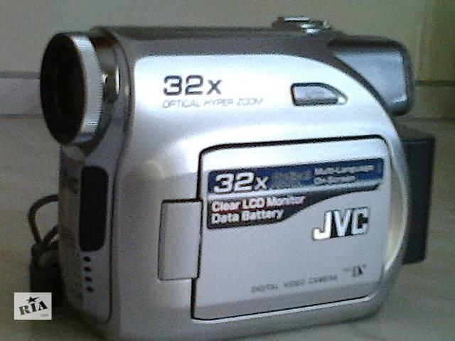 продам Видеокамера JVC бу в Донецке