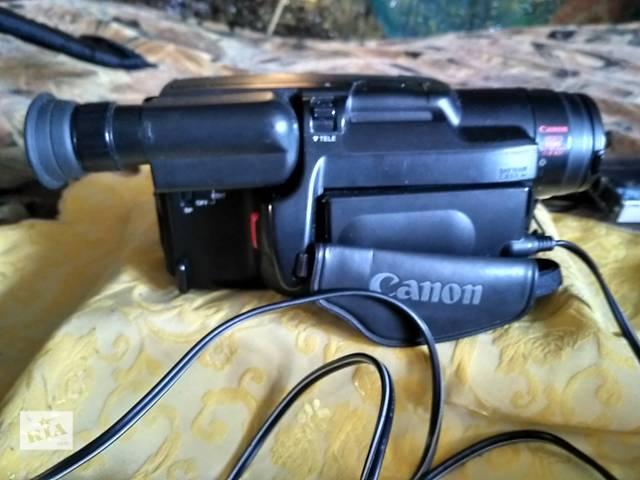 купить бу Видеокамера кассетная Canon UC1000 Е 8 (PAL) (camcorder) в Червонограде